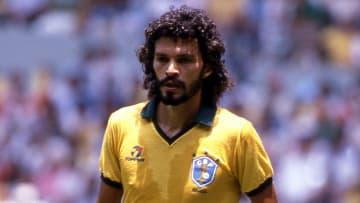 Sócrates com a seleção brasileira.