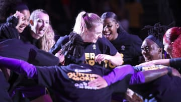Los Angeles Sparks vs New York Liberty prediction, odds, over, under, spread, prop bets for WNBA game on Sunday, August 22.