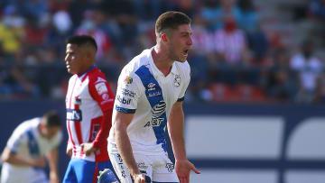 El delantero del Puebla llama la atención, pero queda pendiente su posible llamado a la Selección de Perú