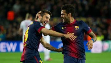 Dani Alves y Jordi Alba llegaron al Barcelona desde equipos de la Liga.