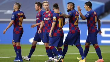 Jordi Alba, Sergi Roberto, Frenkie de Jong, Lionel Messi, Arturo Vidal, Luis Suarez