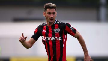 Lucas Alario verlängert in Leverkusen