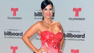 Scarlet Ortiz en la alfombra roja de los premios Billboard Latin Music