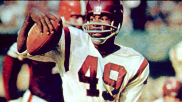 Bobby Mitchell's jersey number will be retired by the Washington Redskins.