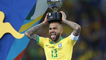 Daniel Alves definiu seu destino