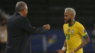 Pele wants to see Neymar shatter his record
