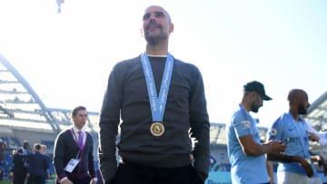 Pep Guardiola celebra la Premier de 2019 con el Manchester City