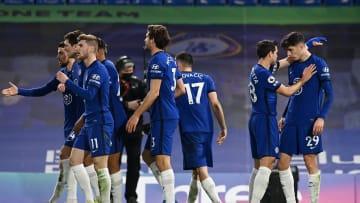 Chelsea sukses mengatasi Everton dengan skor 2-0.