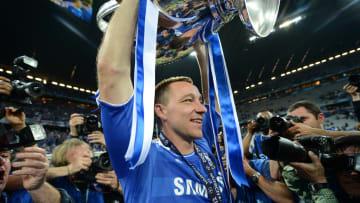 Chelsea's British defender John Terry  h