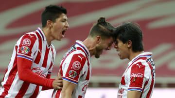 Chivas v Necaxa - Torneo Guard1anes 2021 Liga MX