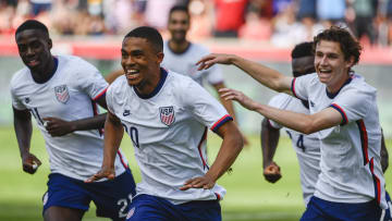 USMNT players celebrating after Reggie Cannon's goal against Costa Rica in the international friendly