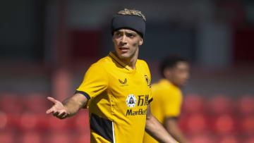 Raúl Jiménez volvió a la actividad futbolística después de siete meses