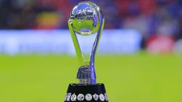 Trofeo de la Liga MX.