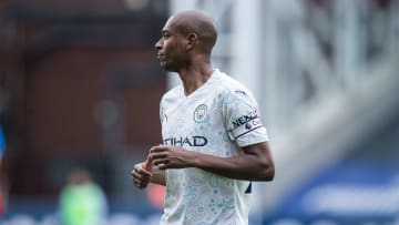 Fernandinho will remain in Manchester for another season