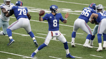 Daniel Jones needs to stand tall and deliver for the Giants in 2021.