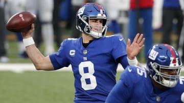 Denver Broncos vs New York Giants prediction, odds, over, under, spread and prop bets for Week 1 NFL game.