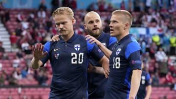 Finlândia ganhou da Dinamarca na estreia