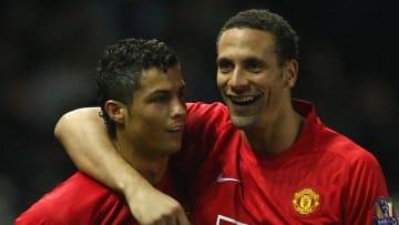 Cristiano Ronaldo, Rio Ferdinand avec Manchester United il y a plusieurs années