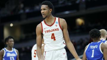 USC basketball forward Evan Mobley