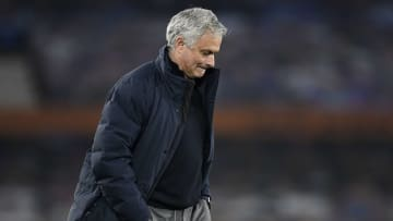 José Mourinho a été limogé de son poste d'entraîneur de Tottenham ce lundi.