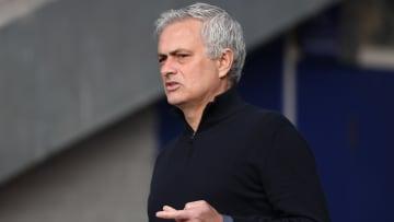 Mourinho ya no es más el entrenador del Tottenham