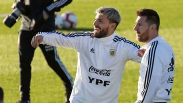 Messi y Agüero quedarán sin equipo en junio