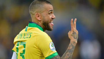 Daniel Alves, Gerson e outros atletas: confira os 18 jogadores que vão representar o Brasil nas Olímpiadas.