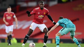 Manchester United e Liverpool se enfretam pela 34º rodada da Premier League.