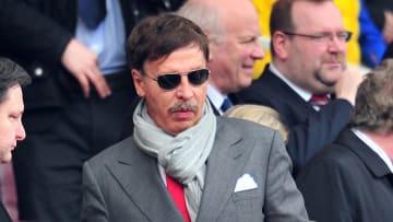 Kroenke es el máximo accionista del Arsenal