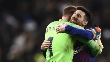 Zwischen ihnen soll es seit einiger Zeit knirschen: Marc-André ter Stegen und Lionel Messi