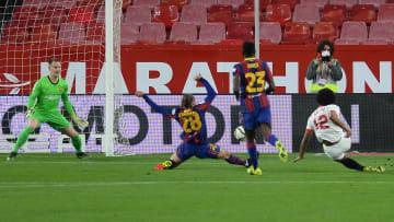 Jules Kounde a ouvert le score face au Barça.