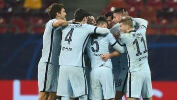 Chelsea celebrate Olivier Giroud's winner against Atletico