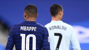 Mbappé y Cristiano Ronaldo están en el mercado