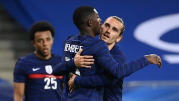 Dembélé n'a pas réussi à se décider entre Griezmann et Mbappé