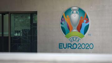 La sede UEFA di Nyon e il logo Euro 2020