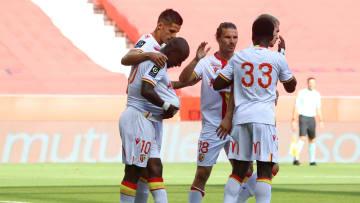 Les Lensois célèbrent le but de Gaël Kakuta face à Nice