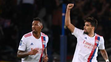 Lucas Paqueta et Jérôme Boateng face au Paris Saint-Germain.