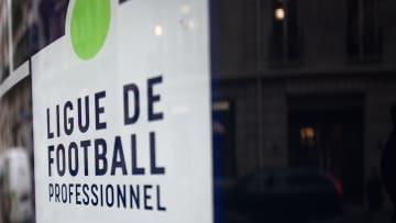 La LFP accélère pour une Ligue 1 à 18 clubs.