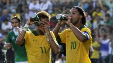 Neymar y Ronaldinho mamaron el futsal desde niños.