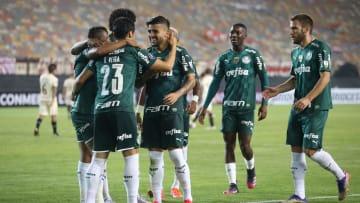 Palmeiras estreou com vitória na Libertadores, mas vem sofrendo muito no Paulistão. O Independiente del Valle chega mais descansado ao duelo.