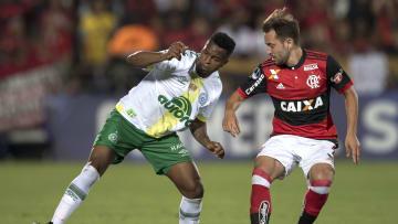 Everton Ribeiro tem chances de ir a jogo, já que não atuou na final da Copa América no Rio