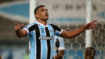 Diego Souza está em grande forma no Grêmio