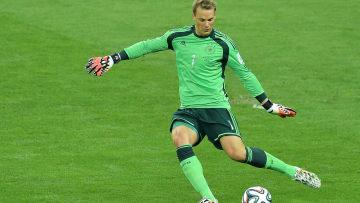O alemão Neuer é uma das referências do controle com os pés.