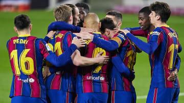 Barcelona keep their feint titles hopes alive
