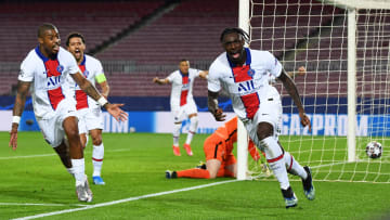 Moise Kean (r.) traf zum 3:1 für Paris in Barcelona.