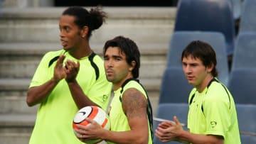Deco jogou com Messi e Ronaldinho no Barcelona, e foi companheiro de CR7 na seleção portuguesa