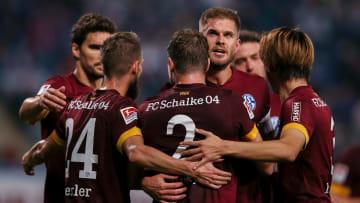 Schalke gewinnt auswärts bei Hansa Rostock