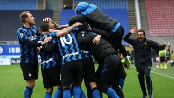FC Internazionale se mantiene líder de la Serie A