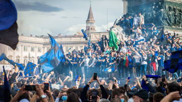 Inter fans celebrate their title win