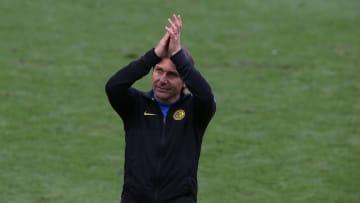 Antonio Conte está sin banquillo